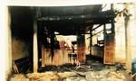 Em châm lửa đốt nhà chị gái vì chị không cho mượn xe máy