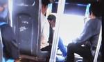 Vụ tài xế xe buýt vừa lái xe vừa đánh bài: Tài xế chỉ 'chơi' bài