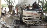 Vượt ẩu, xe đông lạnh gây tai nạn nghiêm trọng khiến 4 người thương vong