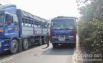 Trèo qua dải phân cách cao 2m, người đàn ông bị xe tải tông