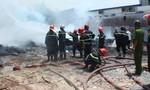 Cháy lớn tại một xưởng pallet gỗ ở quận Bình Tân