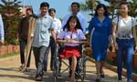 Nữ sinh mất chân được hỗ trợ 2 triệu đồng/tháng đến năm 21 tuổi