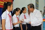 Phó Thủ tướng Trương Hòa Bình dự lễ trao tặng nhà tình thương, cầu nông thôn tại Long An