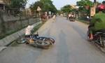 Hai xe máy tông trực diện, hai người nguy kịch