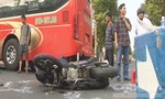 Xe máy kẹp ba tông xe khách, ba thanh niên trọng thương