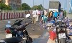 Dân Biên Hòa phụ tài xế thu gom bia rớt trên cầu