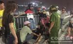 Trắng đêm tìm kiếm người nghi nhảy sông Sài Gòn