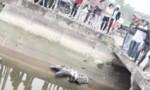 Nghi án người điều khiển xe máy rơi xuống cầu mất tích