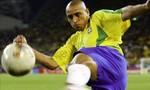 Roberto Carlos: Siêu phẩm từ vòng đùi 61