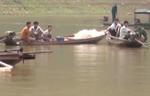 Ba cô gái chết thảm khi bơi thuyền ra sông chơi ban đêm