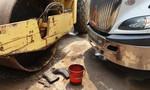 Đang rửa xe trước nhà, người phụ nữ bị xe đầu kéo tông chết