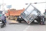 Xe ben gây tai nạn liên hoàn, QL51 kẹt cứng