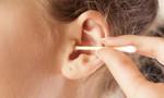 Coi chừng thủng màng nhĩ, liệt mặt do thói quen ngoáy tai bằng tăm bông