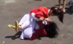 Nữ sinh cấp 2 đánh bạn cùng trường dã man