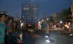 Tránh xe hàng rong đi ngược chiều, người đàn ông bị xe container cán chết