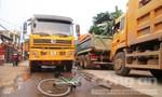 Lo sợ tai nạn chết người, dân chặn hàng chục 'hung thần xe tải'
