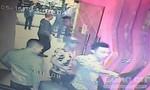 Chém trọng thương đối phương tại quán bar vì bị 'nhìn đểu'