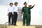 Phó Thủ tướng Trương Hoà Bình thăm và tặng quà Bộ đội Biên phòng tỉnh Long An