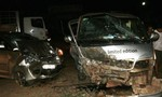 Xe khách đâm trực diện xe ô tô 7 chỗ, 5 người bị thương