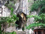 Đà Nẵng: Bất cẩn ở động Âm Phủ, cháu bé đi du lịch ngã tử vong