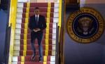 Chùm ảnh của Reuters về hình ảnh tổng thống Obama đến Việt Nam