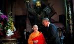 Tổng thống Obama viếng chùa Ngọc Hoàng: Tôi thích con gái