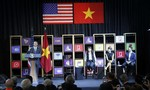 Tổng thống Obama gặp gỡ, trao đổi với hơn 100 doanh nghiệp TP.HCM