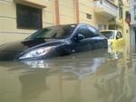 Mưa lớn suốt đêm, nhiều tuyến đường Hà Nội ngập sâu
