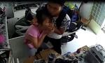 Cô gái ở Sài Gòn bị cướp dí dao vào cổ, bắt chuyển tiền qua tài khoản