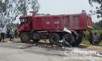 Xe khách va chạm 2 xe tải, 9 người thương vong