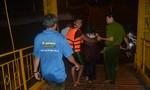 Cô gái nhảy cầu tự tử được cảnh sát cơ động cứu