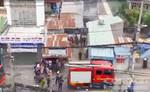 Xe máy ngã vào bếp gas đang hoạt động, 3 người nhập viện
