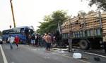 Xe khách tông xe tải khiến một người tử vong