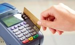 Lấy trộm thẻ tín dụng của bạn trai người ngoại quốc rút hơn 400 triệu đồng