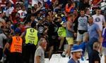 Cổ động viên Nga tấn công người hâm mộ Anh sau trận hòa 1-1