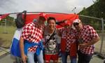 Cặp đôi đạo diễn Thanh Nhân - Wang Trần hào hứng đón Euro 2016 trên đất Pháp