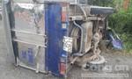 Long An: Thắng gấp, hai xe tải gặp nạn