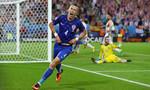 Khuất phục 'Bò tót', Croatia đứng đầu bảng D