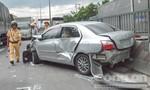 Container húc đuôi ô tô 4 chỗ xoay 180 độ, tài xế may mắn thoát chết