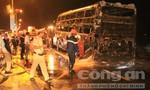 Xe khách bốc cháy, nhiều hành khách hoảng sợ
