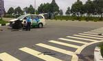 Taxi tông xe máy, hai người thương vong