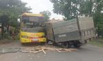 Xe tải tông xe khách, hàng chục người bị thương