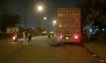 Tông đuôi xe container trong đêm, nam thanh niên trọng thương
