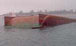 Cứu sống 4 thuyền viên trên xà lan bị đâm chìm ở biển Cần Giờ