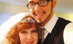 Cụ bà 71 tuổi cưới thiếu niên 17 gặp tại đám tang con trai