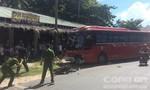Xe máy đối đầu xe khách ở 'thủ đô Resort', 2 người tử vong