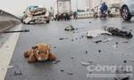 Tai nạn liên hoàn trên cầu Bình Lợi do nón bảo hiểm vướng vào ô tô 4 chỗ