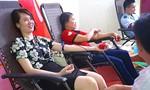Thu 1.000 đơn vị máu trong ngày hội 'Giọt hồng xứ Nghệ'