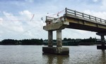 Chuyện hy hữu ở Cà Mau: Cầu 6 tỷ đồng xây chưa nghiệm thu đã sập!