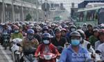 Cảng container đóng cửa, xa lộ Hà Nội kẹt cứng
